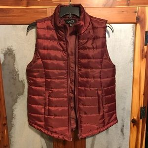 Rue 21 Large Wine Colored Puffy Vest